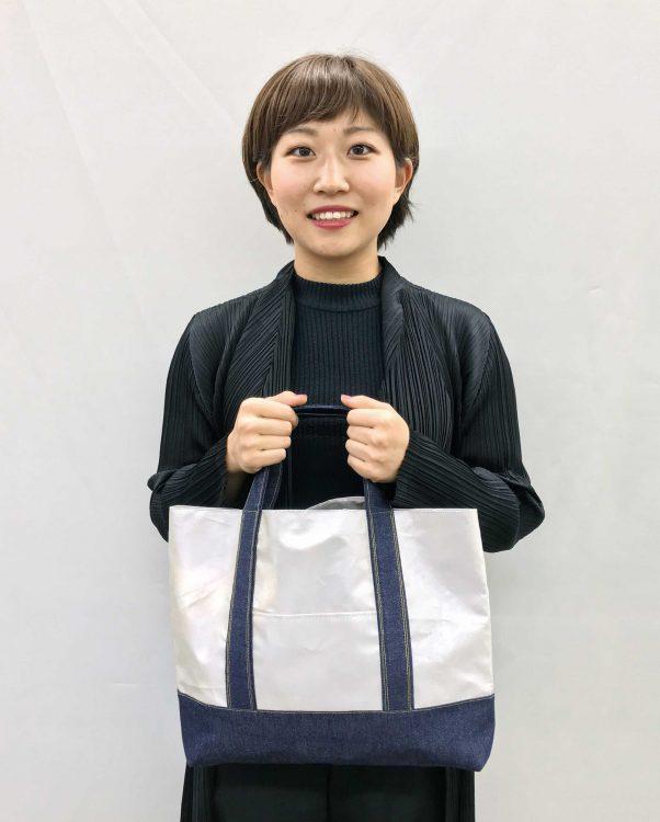 3年生 萩 姫佳さんの作品「ピカピカデニムトートバッグ」商品化決定!
